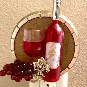 B&BW Wine-themed Wallflower Plug
